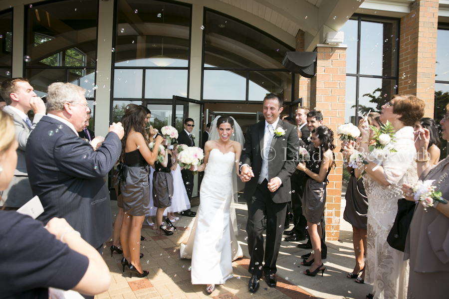 read candid wedding photography in Northeast Ohio